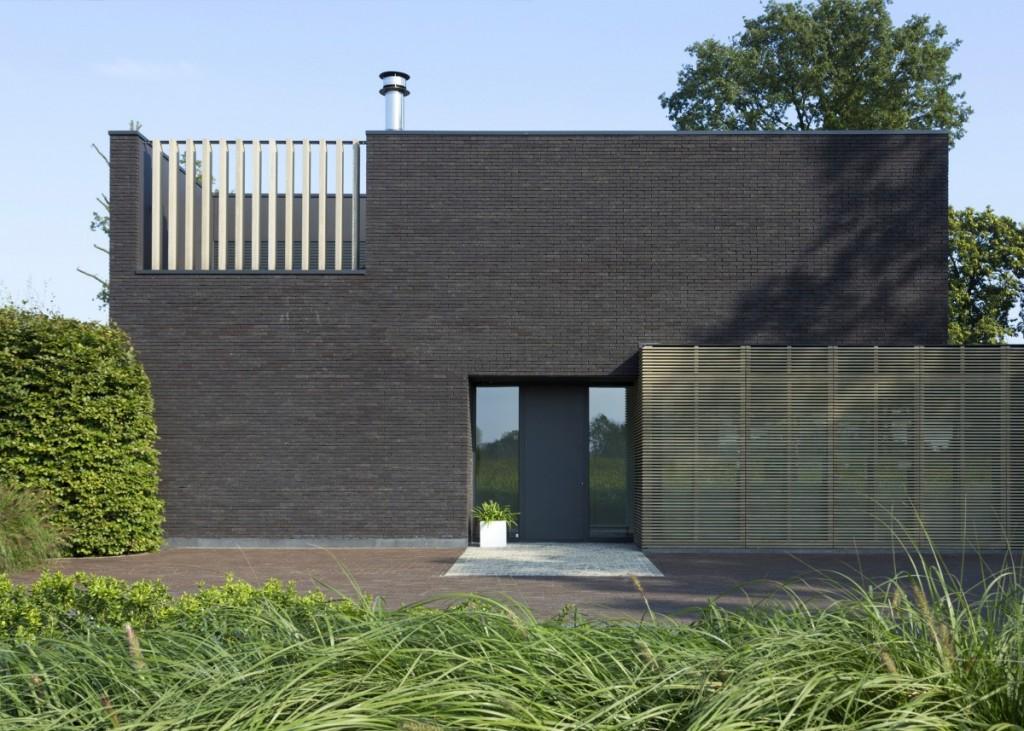 Agora Grafietzwart  na fasádě
