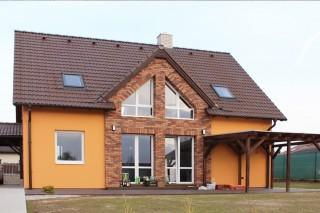 Fasáda domu s okladovými pásky Primula