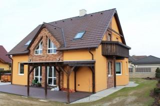 Obkladový pásek Primula oživil fasádu domu