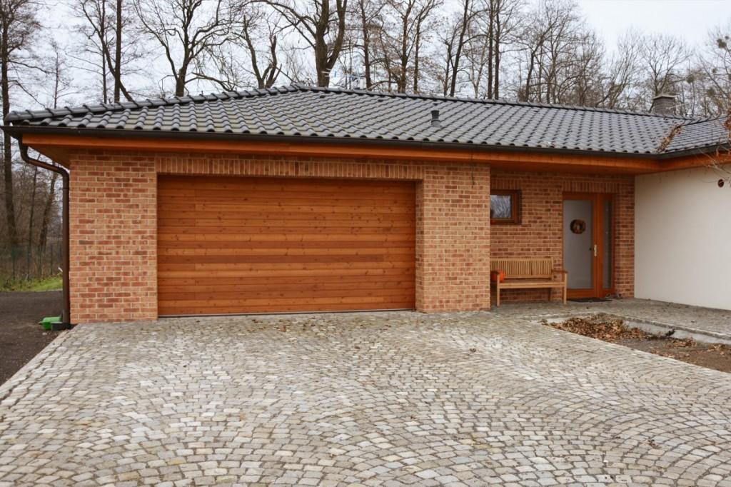 Obkladové pásky Röben Moorbrand sandgelb bunt na bungalovu
