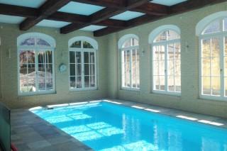 obkladové pásky i interiéru bazénu