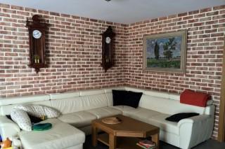 Lícové cihly Röben v obývacím pokoji